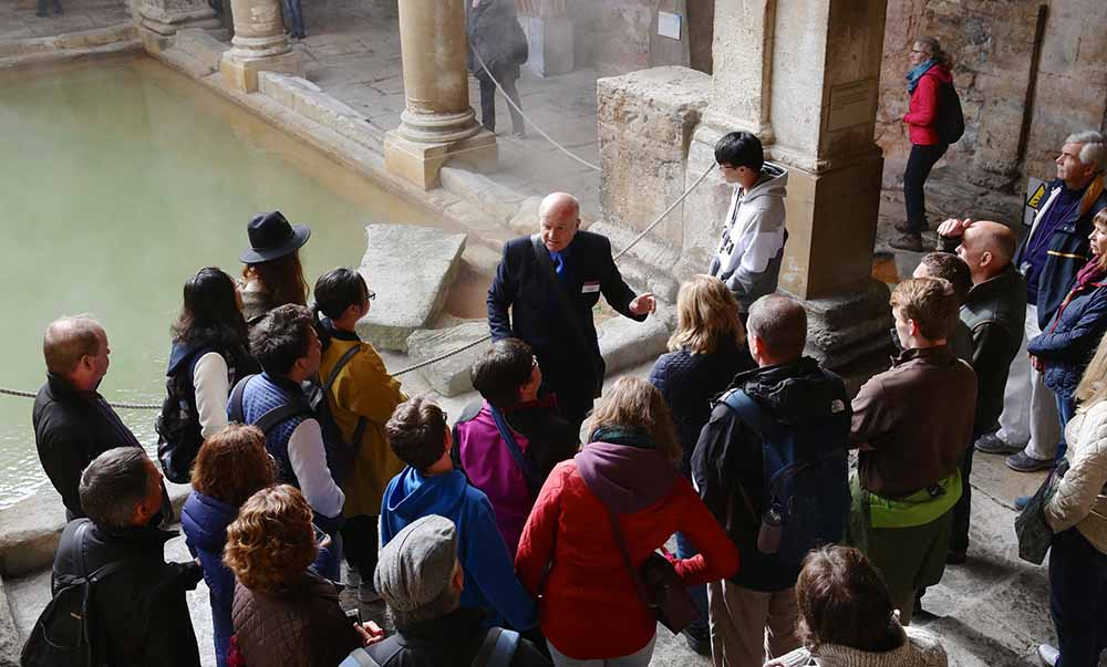 stonehenge and bath tour from london